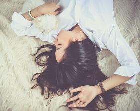 Schlafendes Mädchen Lucide Träume