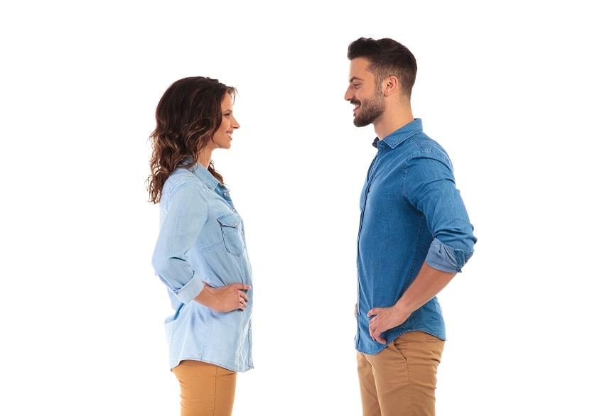 Körpersprache des mannes beim flirten