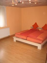 Ausschnitt des Zimmers 'Erickson' mit Doppelbett